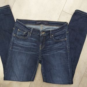 📣2/36$📣 Guess skinny dark wash jeans size 29